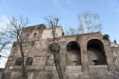 En del av den Avrelian väggen i Rome. Arkivbilder