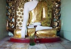 En del av den buddha statyn Arkivbilder