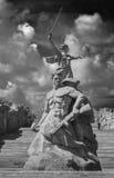 En del av den Mamaev Kurgan och fäderneslandmonumentet i Stalingrad Februari 23, Maj 9 Arkivfoton