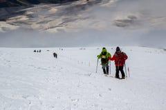 En descendant de à la montagne d'Elbrus Photo libre de droits
