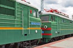 En deux parties piquez-vous la locomotive électrique VL80 Vladimir de fret Photos stock