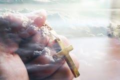 En dios confiamos en fotografía de archivo libre de regalías