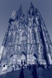 En distinkt blick på Kölner Dom eller Hohe Domkirche Sankt Petrus royaltyfri fotografi