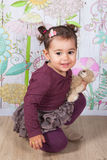 1 en een een half meisje van de éénjarigenbaby binnen Royalty-vrije Stock Foto