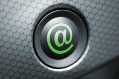 En el botón gris y verde Imagen de archivo libre de regalías
