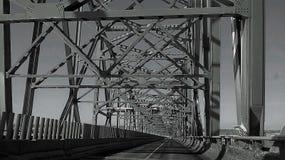 En el camino de un puente fotografía de archivo libre de regalías