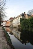 En el canal en el invierno Brujas imágenes de archivo libres de regalías