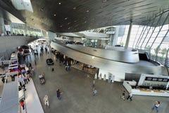 En el centro de la expo de BMW Imagen de archivo