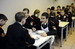 En el comedor del cuerpo del cadete de la policía Fotos de archivo