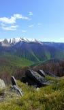 En el corazón de montañas Imágenes de archivo libres de regalías