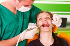 En el dentista Foto de archivo libre de regalías