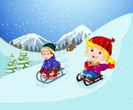 En el invierno, los niños juegan en la nieve muy alegre ilustración del vector