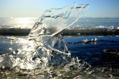 En el lago Baikal en invierno imagen de archivo