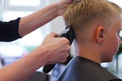 En el peluquero Foto de archivo libre de regalías