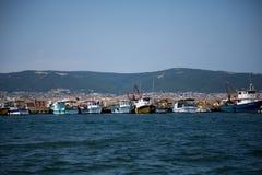 En el pequeño puerto de Nessebar fotos de archivo