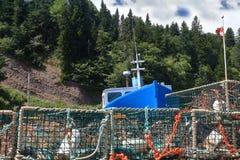 En el puerto deportivo de las trampas del barco y de la langosta del St Martins Fishing Imagen de archivo