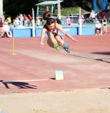 En el salto de longitud Foto de archivo libre de regalías