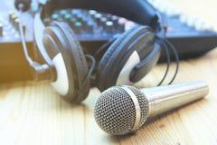 En el sistema audio de la sala de control Estilo de los filtros y del vintage de la foto Imagen de archivo