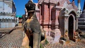 En el sitio de las pagodas de Kakku, Myanmar almacen de video