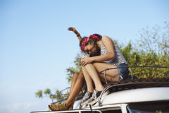 En el tejado de Van Road Trip Travel Imagen de archivo