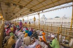 En el templo de oro, Amritsar, la India Imágenes de archivo libres de regalías