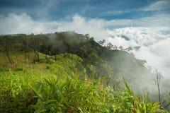 En el top de la montaña Fotos de archivo libres de regalías
