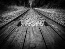 En el tren de camino fotografía de archivo libre de regalías