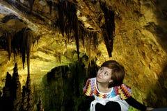 En el turismo de la cueva imagen de archivo libre de regalías