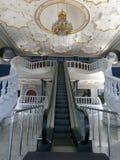 En elevator för att kungafamiljen ska skriva in bönrum Fotografering för Bildbyråer