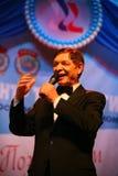 En etapa, el favorito de la muchedumbre, cantante el chispear, cantante Edward Hil (Sr. Trololo) Fotos de archivo libres de regalías