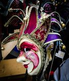 En färgrik maskering från Venedig royaltyfri bild