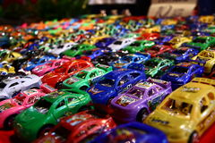 En färgrik plast- leksakbil Royaltyfri Foto
