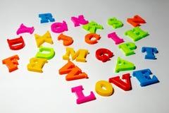 `en För ord`-förälskelse som ser skillnaden Royaltyfri Fotografi