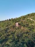 En förfalla upphängningbro royaltyfri bild