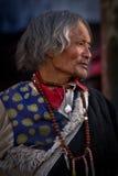 En fantast Lhasa Tibet för Potala slottElederly man Royaltyfria Bilder