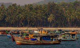 En fiskareby nära Ngpali i Burman ( Myanmar) Arkivbild