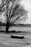 En fiskebåt på floden Elbe Royaltyfri Fotografi