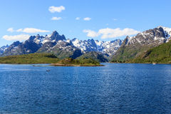 En fjord i Norge Arkivfoto