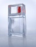 En flaska av parfymerat vatten arkivfoton