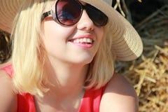 En flicka i hatten Fotografering för Bildbyråer