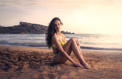 En flicka på sjösidan Royaltyfria Foton