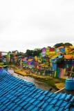 En flod på Jodipan den Colorize byn Arkivfoton