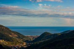 En flyg- sikt av Pietra Ligure, Liguria royaltyfri fotografi