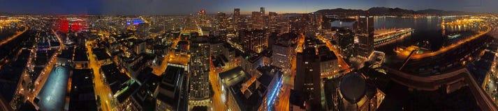 En flyg- sikt av staden av Vancouver på natten fotografering för bildbyråer