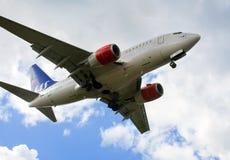 En flygplanlandning i Sverige Arkivfoto