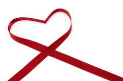 En forma de corazón por la cinta, concepto del día de tarjetas del día de San Valentín, tarjeta del día de San Valentín del St Fotos de archivo libres de regalías