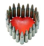 Isolerat 5,56 kulor med hjärta Arkivfoto