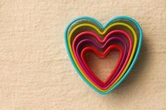 En forme de coeur coloré sur l'ouatine Image libre de droits