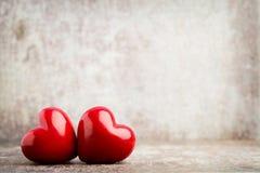 En forme de coeur en bois Cartes de voeux Salutation de jour du ` s de Valentine Image libre de droits