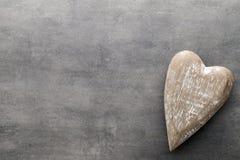 En forme de coeur en bois Cartes de voeux Valentine& x27 ; salutation de jour de s Image libre de droits